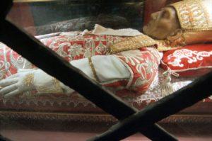 L'Aquila, basilica di Collemaggio, spoglie di Papa Celestino V