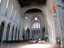 220px-Napoli_-_Basilica_di_San_Lorenzo_Maggiore_interno