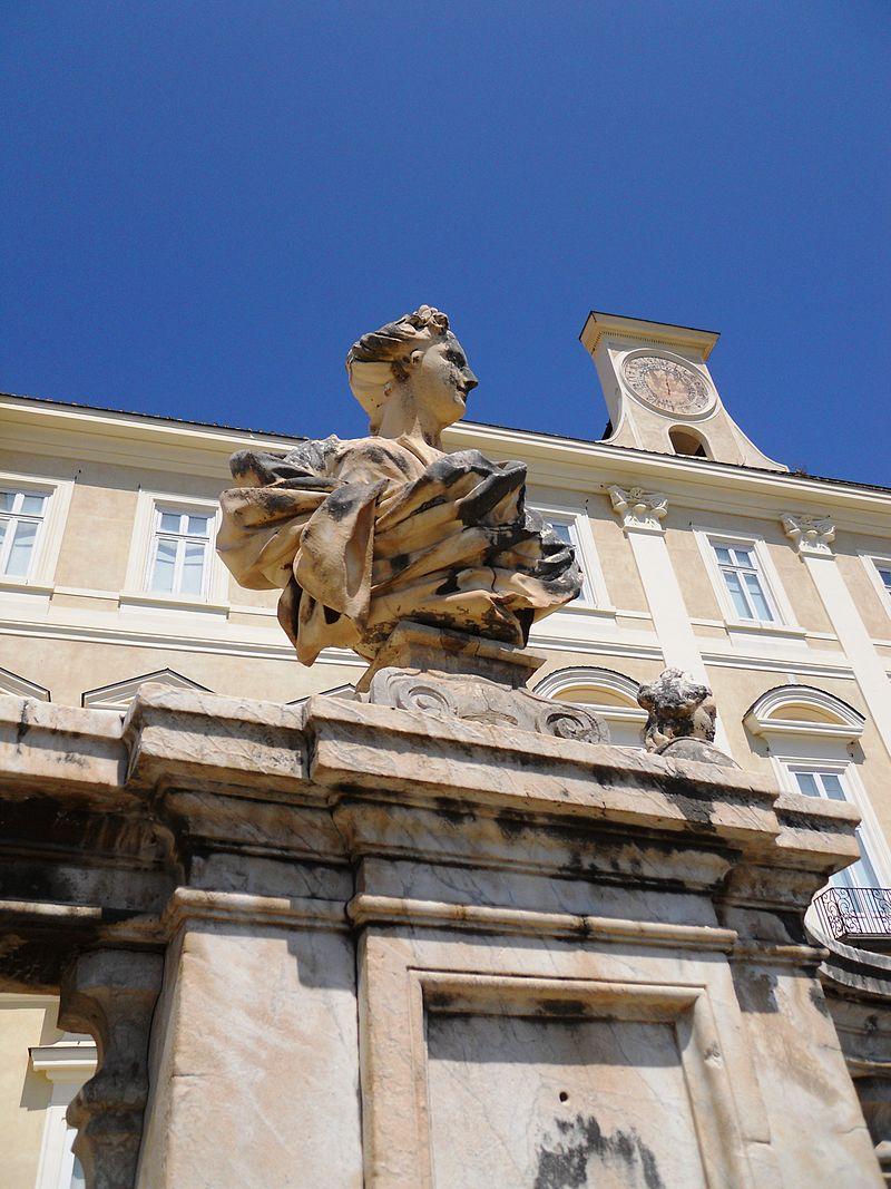 Il miglio d 39 oro cose di napoli for Il parlamento italiano wikipedia