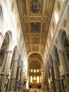 interno_cattedrale_di_napoli