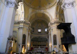 San-Pietro-ad-Aram-la-navata-800x569