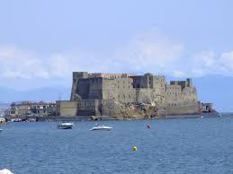 castel ovo 8