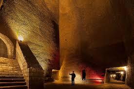 tunnel 24